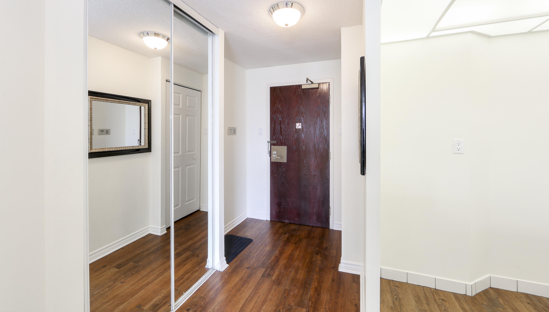 Canada Suites Penthouse Suite - Foyer