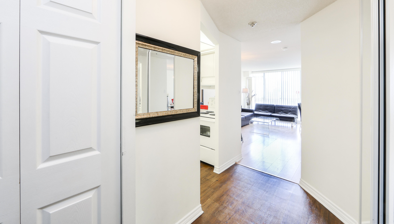 Canada Suites Penthouse Suite - Hallway