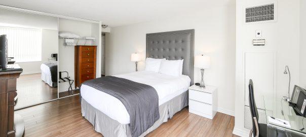 Canada Suites 2 Bedroom 2 Bathroom Suite - The Master Bedroom