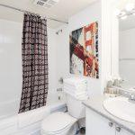 Canada Suites on Bay - 2 Bedroom 2 Bathroom Presidential Suite - Master Bathroom