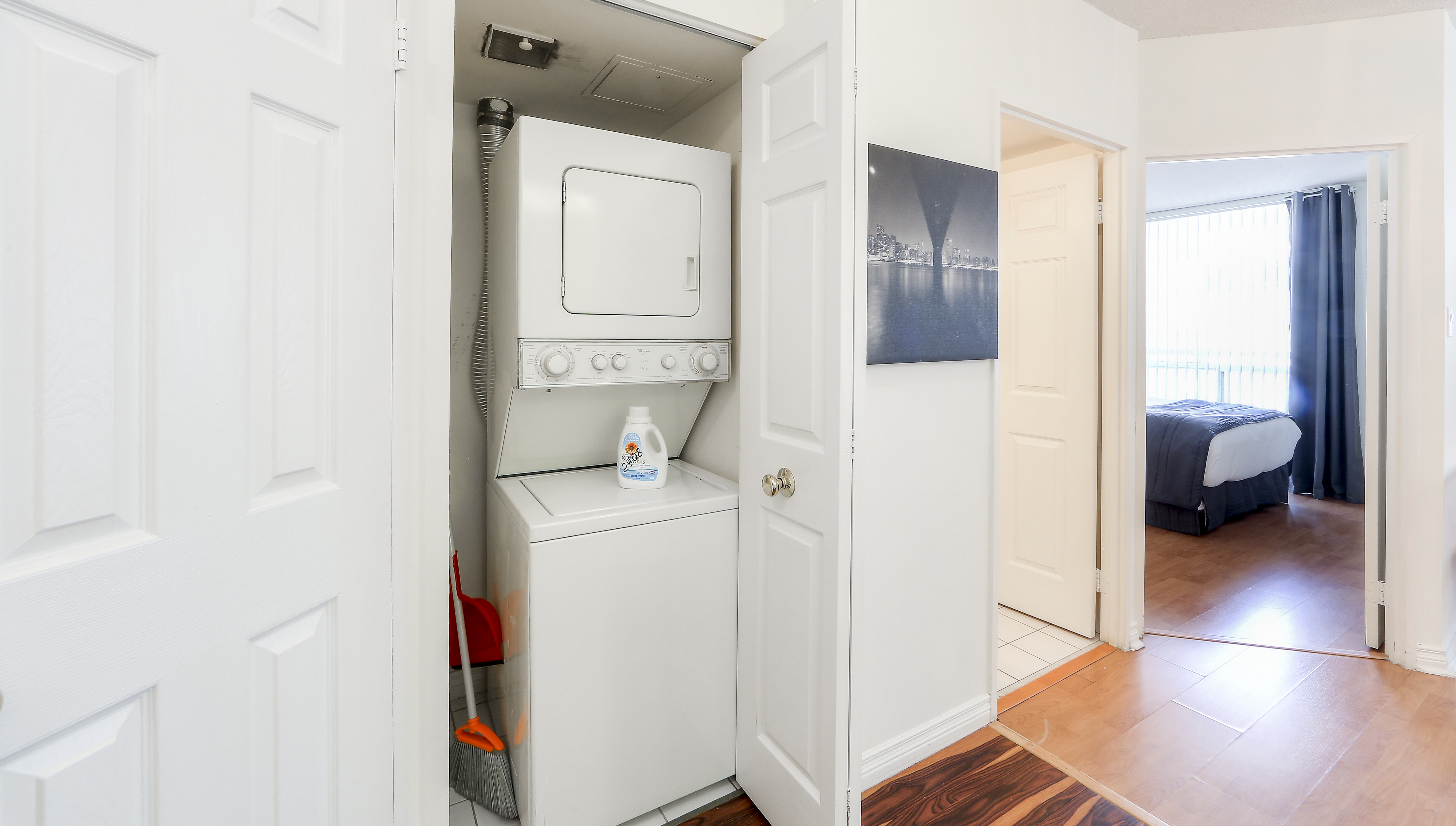 Canada Suites 1 Bedroom Executive Suite - The Laundry Room